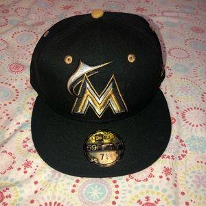 Miami Marlins Metallic 59 fifty Cap 7 1/4 NWT